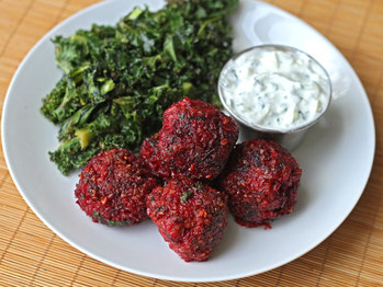 201200405-dt-beet-lamb-and-cracked-wheat-meatballs