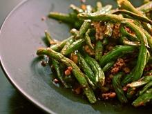 Sichuan Dry-Fried Long Beans Recipe