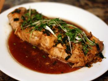 20110919-127355-dinner-tonight-steamed-salmon-ginger-garlic