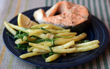 Dinner Tonight: String Beans with Arugula Recipe