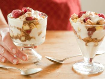 2674_vanilla_berry_yogurt_parfaits