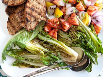 2723_grilled_tomato_romaine_salad