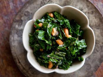 Kale-cashews
