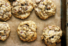 oatmeal, chocolate chip and pecan cookies Recipe