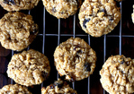 thick, chewy oatmeal raisin cookies Recipe