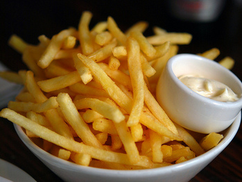 Perfect_french_fries_with_aioli_flickr