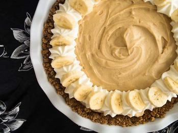 091812-223109-peanut-butter-banana-pie-610x458-1