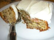 Mom_s_banana_cake_served_with_fork