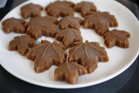 Maple Leaf Description Maple Leaf-shaped Candies