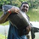 Renato, Cleber e o amigo Barba estiveram no Tio Oscar Em um dia mais que perfeito para pescaria, eles foram em busca dos peixes gigantes, e pode ter certeza  que dessa vez as tilápias estavam dormindo kkkkkkk. Para provar  que lá os gigantes estão batendo