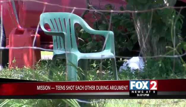 Two Teens Shoot Each Other After a Fight Over Money