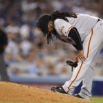 Giants top Dodgers 2-0 despite injuries to Cueto, Crawford