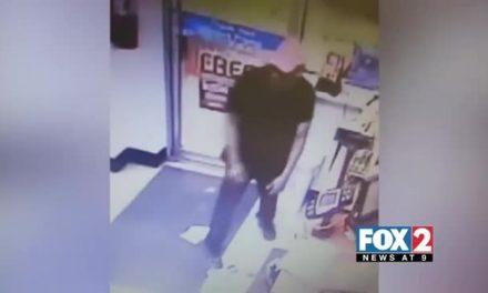 Man Grabs Store Cash Box and Runs