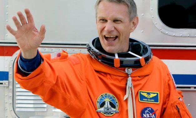 NASA astronaut Sellers dies at 61