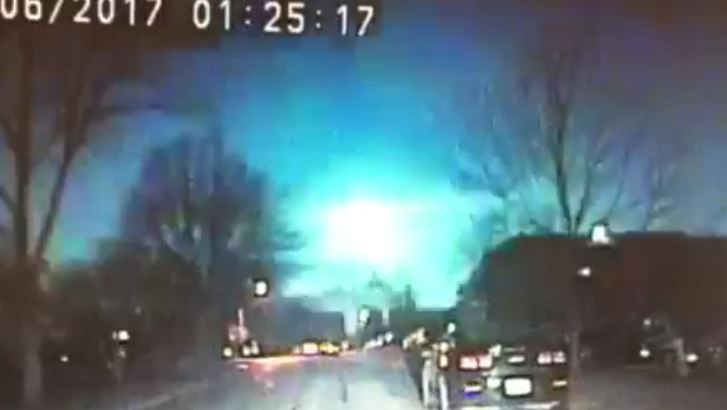Meteor over Lake Michigan lights up sky in several states