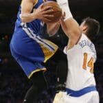 Curry ends slump with 31, Warriors beat Knicks 112-105