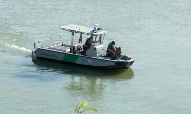 Border Patrol Agents Rescue Drowning Men