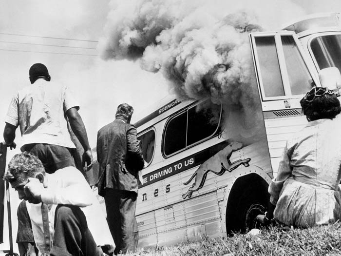 Bus set aflame by segregationists