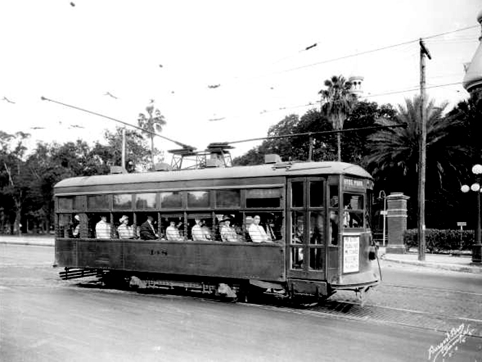 A streetcar filled with passengers in Tampa, Florida