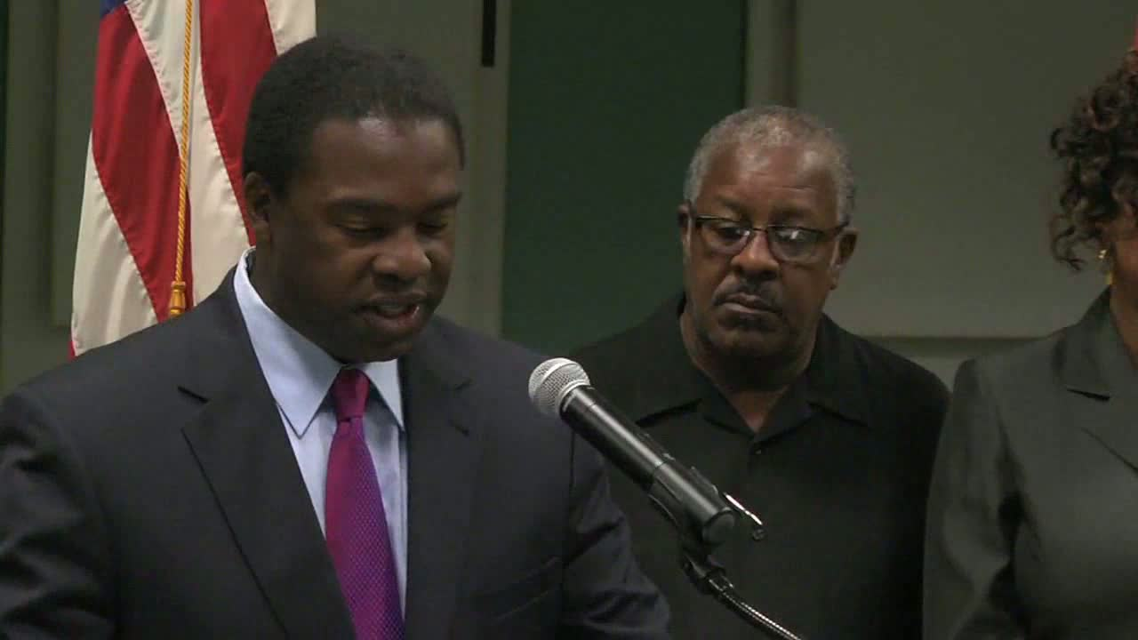 http://s3.amazonaws.com/fscj-news/videos/7347/mayor_announcement_0.jpg