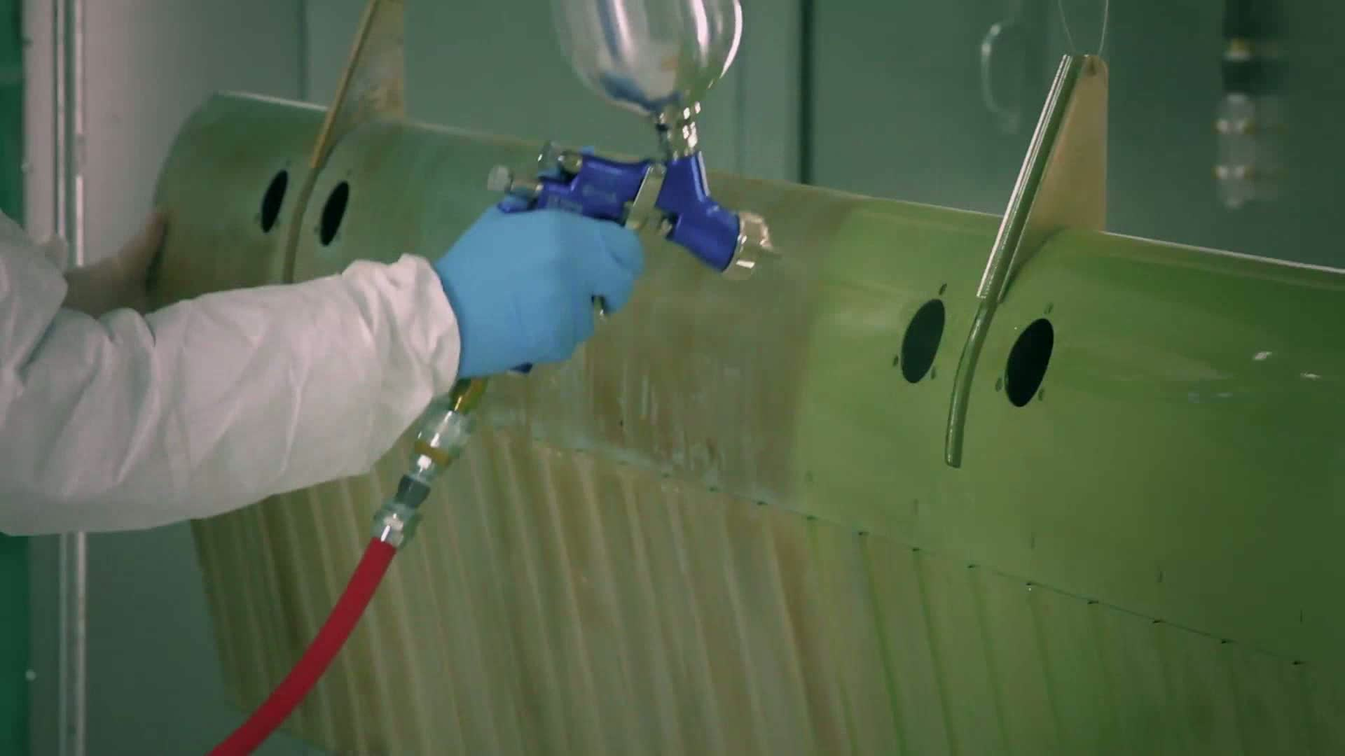 http://s3.amazonaws.com/fscj-news/videos/7452/aircraft_coating_technician_0.jpg