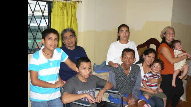 Ayuda para Don Máximo y su familia