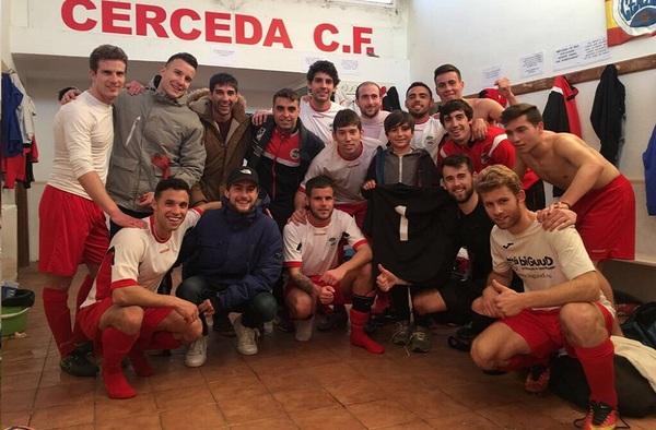 """El Cerceda C.F. del técnico """"Totó"""" Romero, líder para volver a Primera Regional"""
