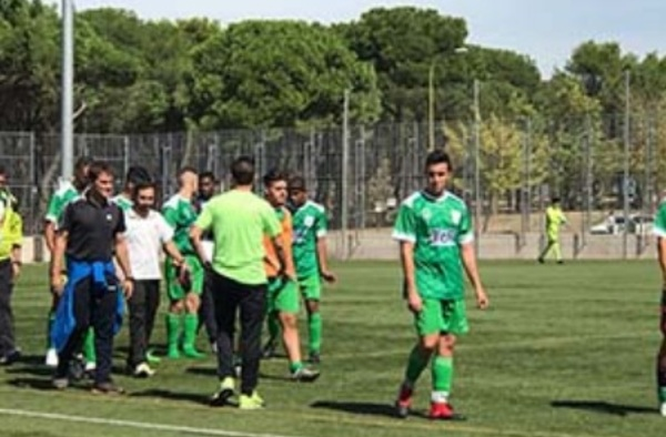 """El Villaverde San Andrés """"B"""" ocupa la plaza del Montijo San Antolín en el grupo 7º de Segunda Regional"""
