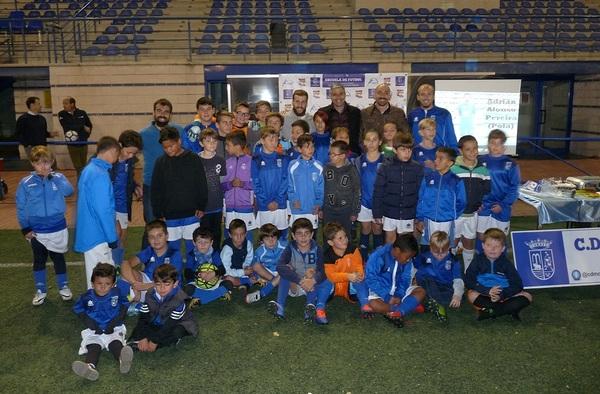 """Adrián Alonso """"Pola"""", jugador del Movistar Inter visitaba la Escuela del C.D. Molareño"""