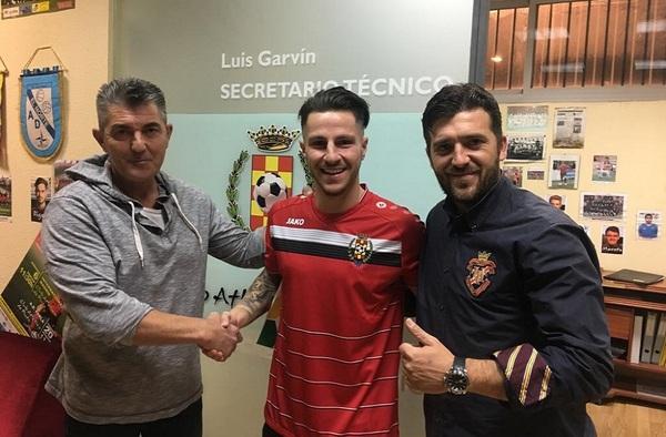 El Atlético de Pinto se refuerza con Ismael Balea, mientras causa baja Viti