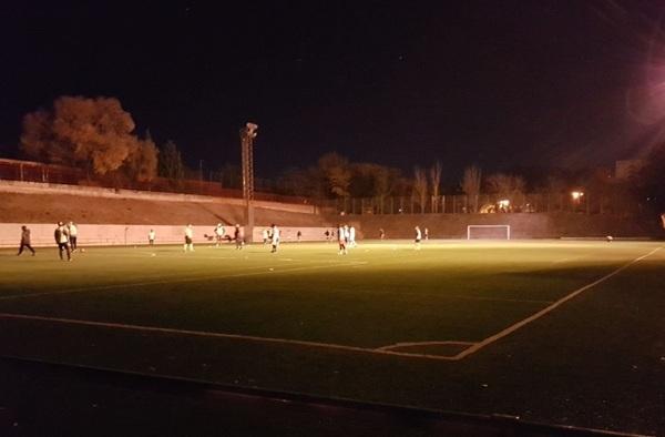 Suspendido un encuentro de liga en el Polideportivo de Entrevías al dar preferencia a un partido de liga privada que a uno Federado