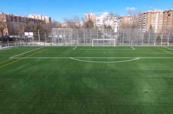 La EF Carabanchel disfruta de su césped artificial gracias a los presupuestos participativos del Ayuntamiento de Madrid