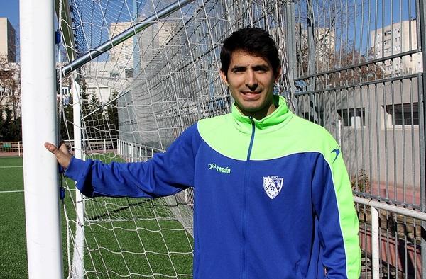 Jorge Gazapo, un trotamundos del fútbol en el banquillo del Juvenil B de la EDM San Blas