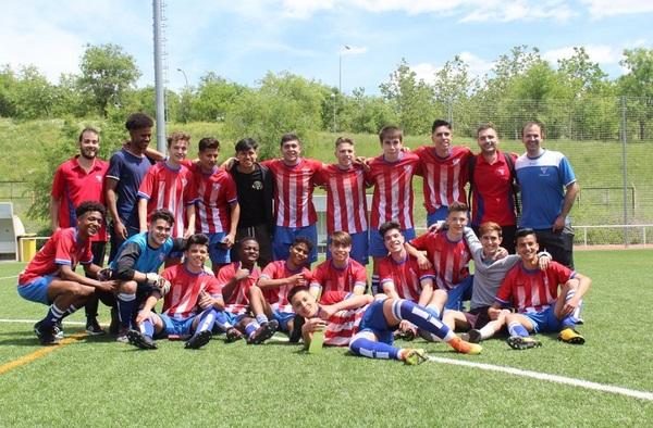 """El Juvenil """"B"""" del C.D.C. Moscardó se proclama Campeón del grupo 5º de Primera Juvenil en la temporada 2017/18"""