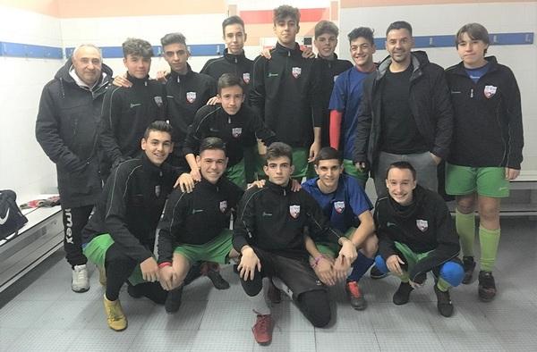 Michel, el entrenador del Rayo Vallecano visitaba a los juveniles de la EF Mar Abierto estas pasadas fiestas navideñas