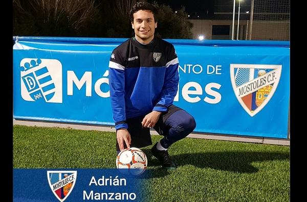 Adrián Manzano debutó con el Móstoles C.F. en la actual temporada 2018/19