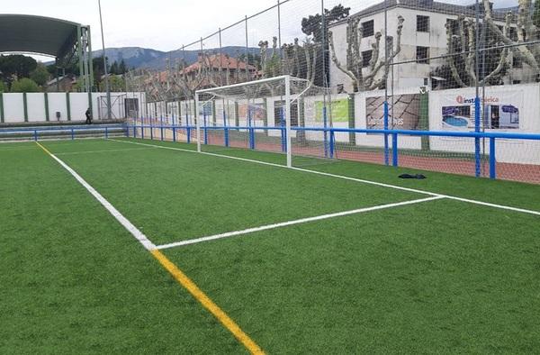 Se implementan protecciones en el vallado del campo municipal de Navaarmado en El Escorial