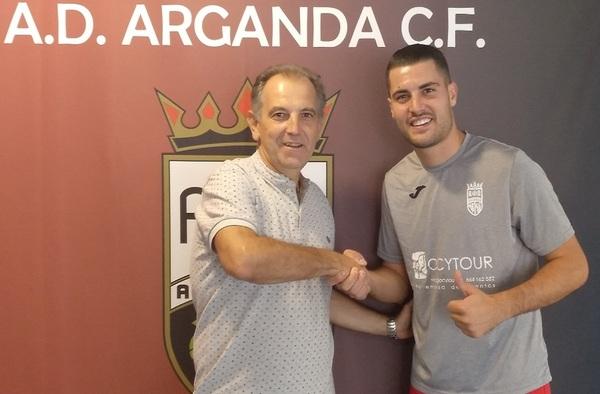 "Roberto Sampalo ""Sampa"" se vincula con la A.D. Arganda C.F. del técnico Javier De Lucas"