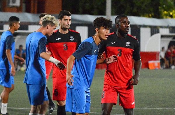 El Real Axpo Carabanchel finaliza la pretemporada ganando 1-0 al Juvenil División de Honor del Leganés