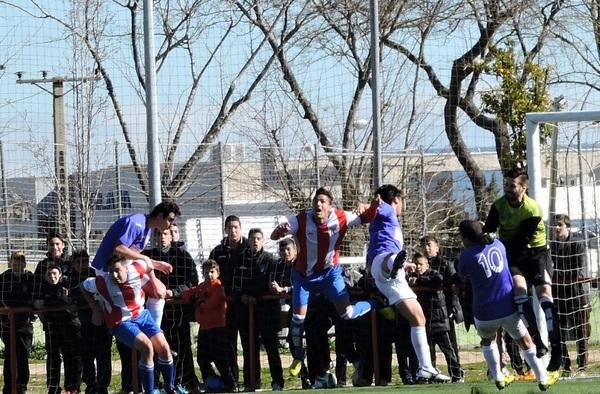 La A.D. Alhóndiga cesa al entrenador Jorge Arroyo a falta de tres jornadas para el término de la competición