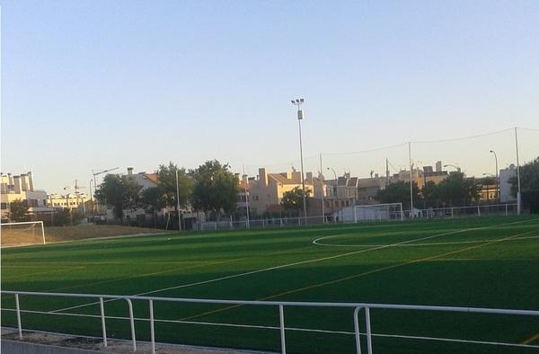 El Olímpico de Hortaleza jugará en hierba artificial a partir de esta temporada