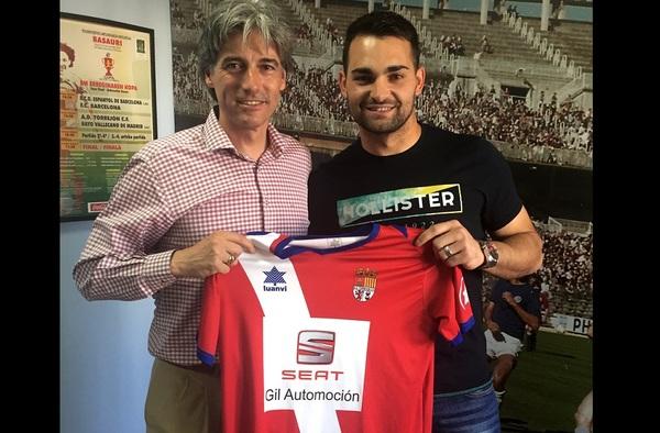 Núñez y Ronky, renuevan por la A.D. Torrejón C.F. de Paco Sáez