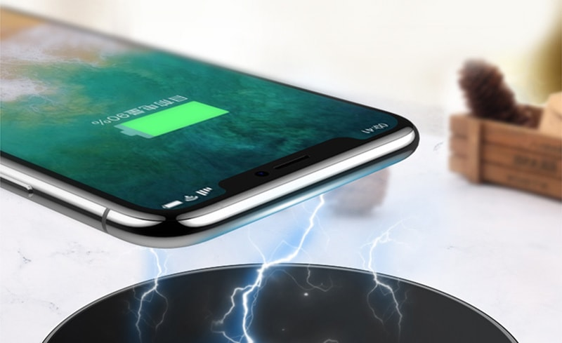 Ingenious Gadget Wirelessly Charges & Boosts Your Phones Performance