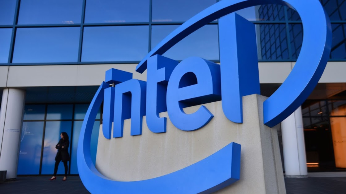 Intel Loses Ground After Announcing Further 7nm CPU Delays