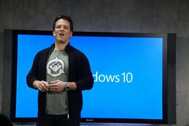 Phil Spencer wearing a Battletoad shirt during a Windows 10 conference