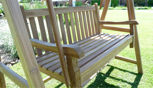 Garden-benches-windsor-swing-seat-close-up