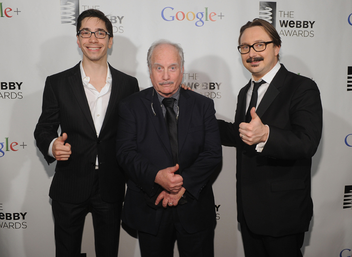 long dreyfuss hodgman webbys 2012 Gary Sharmas 16th Annual Webby Awards Highlights (Steve Jobs Tribute, Richard Dreyfuss, Bjork, Patton Oswalt, Cat Memes and More)