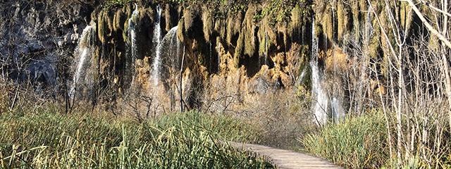 plitvice-lake-in-croatia-fall