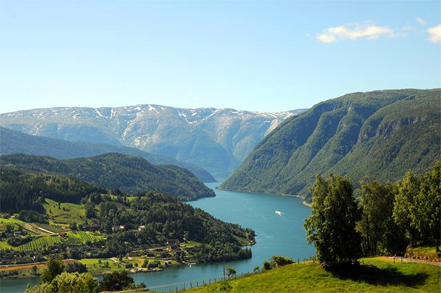 Hardangerfjord-640px