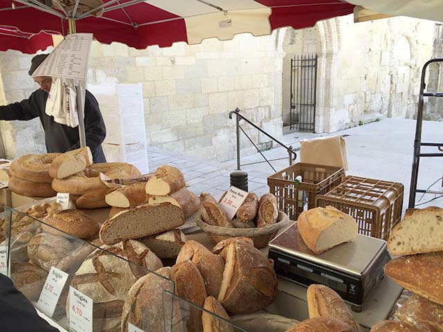 Fresh baked bread at an ourdoor market in Périgueux, France